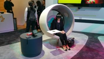 Oculus Rift 2 linked in header crop