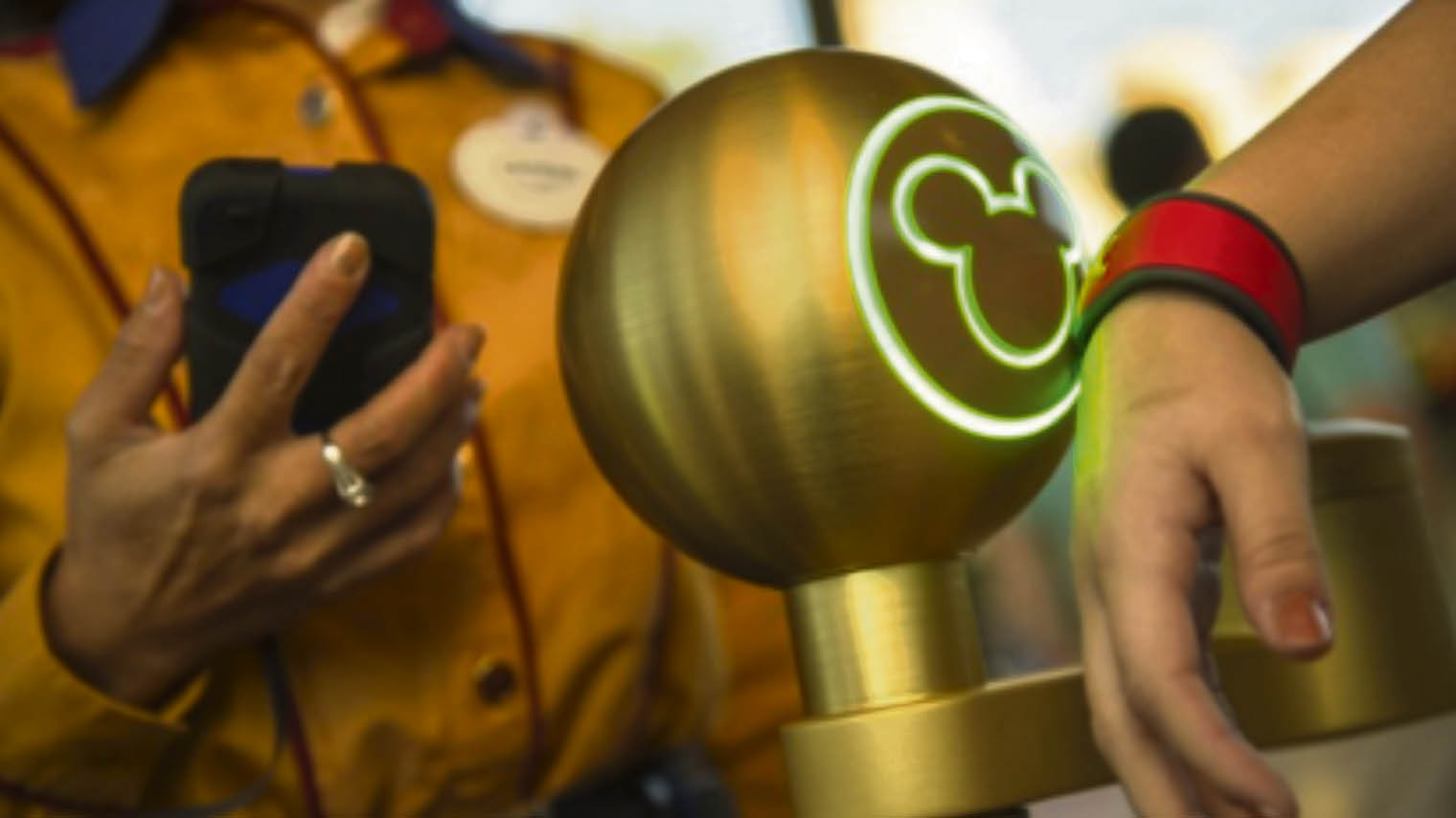 walt-disney-worlds-magicband-system-collects-customer-data-as-guests-tap-in-and-travel-around-the-resort