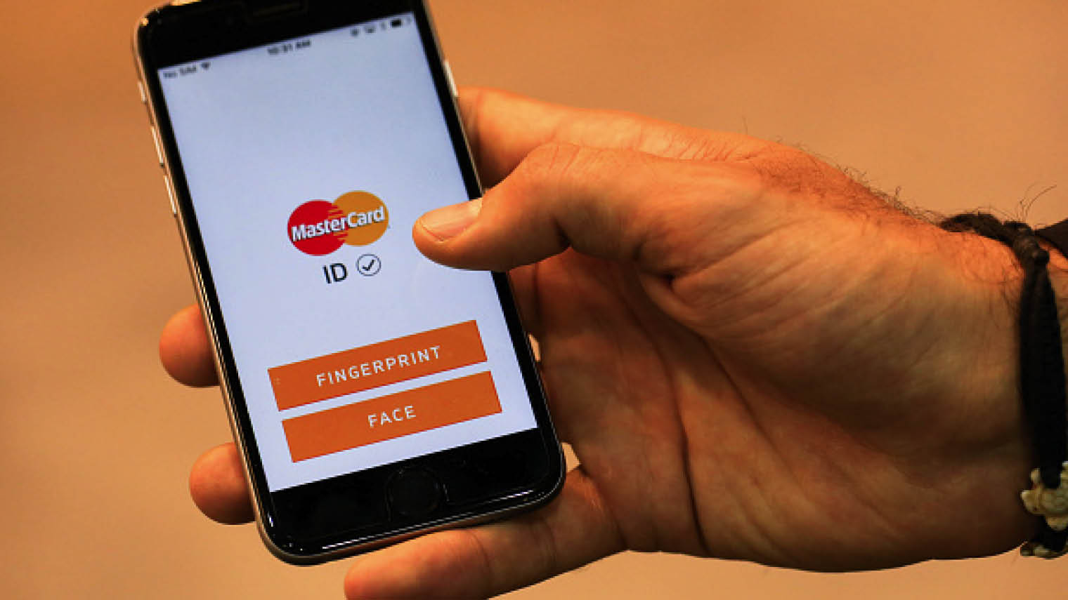 """MasterCard's Identity Check biometric technology includes the so-called """"selfie pay"""" feature"""