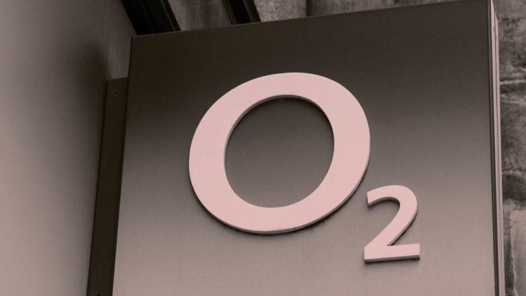 o2 shop sign