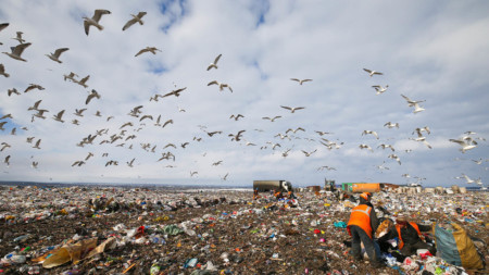 Growing waste levels is a major concern for Downers, as landfi ll capacity begins to run out