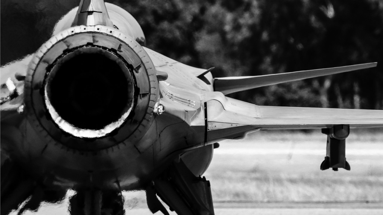 partial cut of a fighter aircraft in black and white, military aircraft, aircraft gas turbine engine