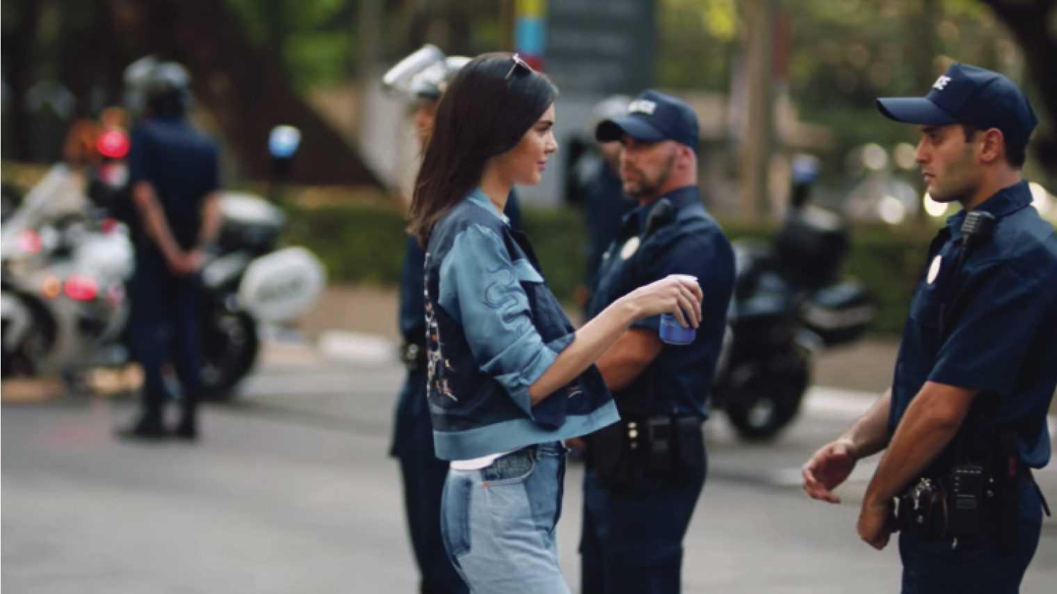 Pepsi pulled its controversial, politically charged TV ad featuring Kendall Jenner after widespread criticism that it trivialised civil rights movements