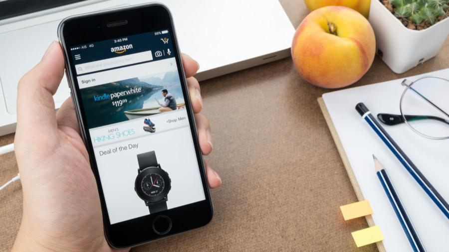 Shopping on smartphone on Amazon