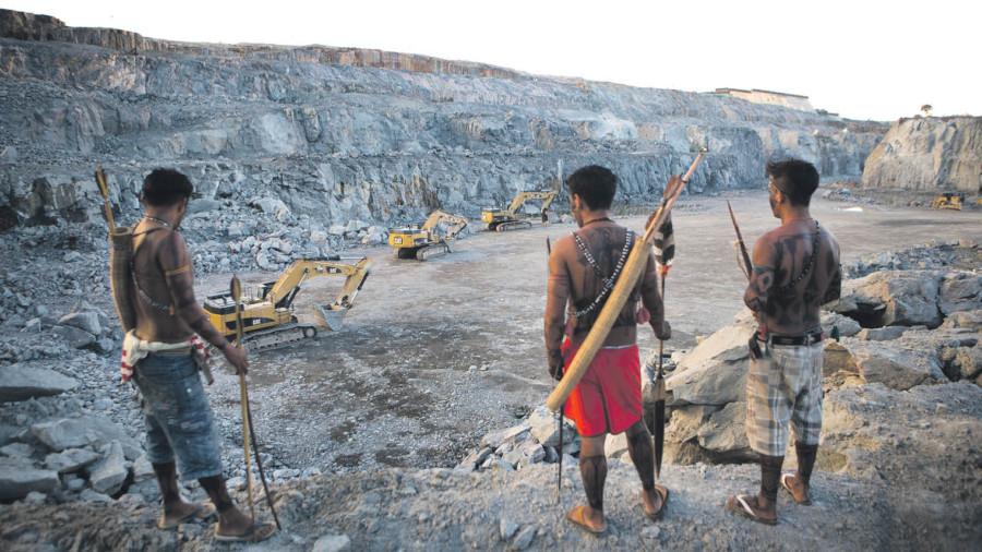 Indigenous Mundukuru men protesting in Pará Brazil