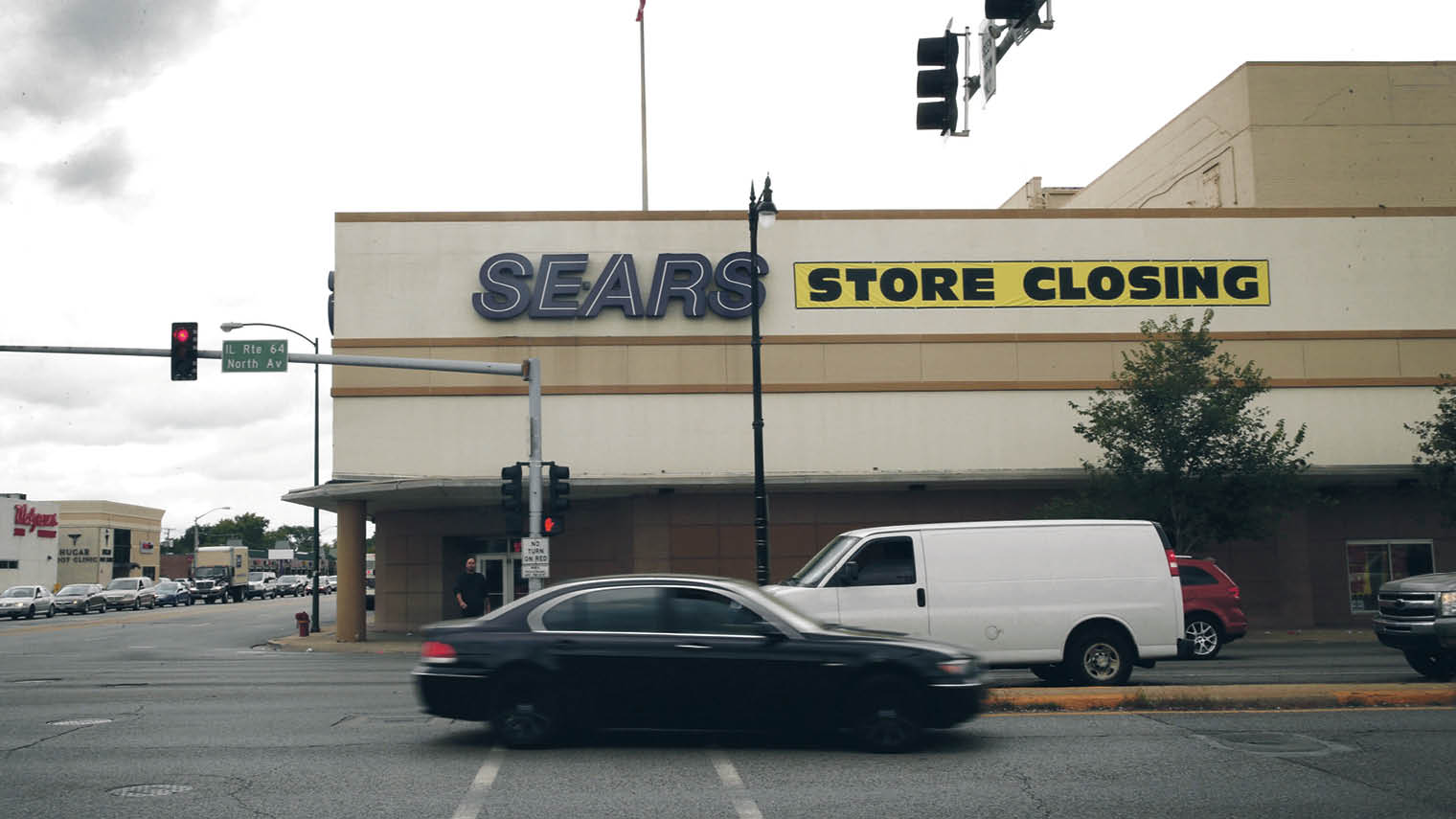 Sears storefront closing down