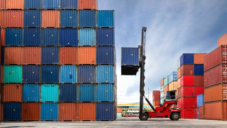 How to Protect Your Logistics Network Against Volatility
